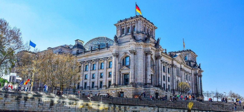 Bundestag_Spreeansicht_2